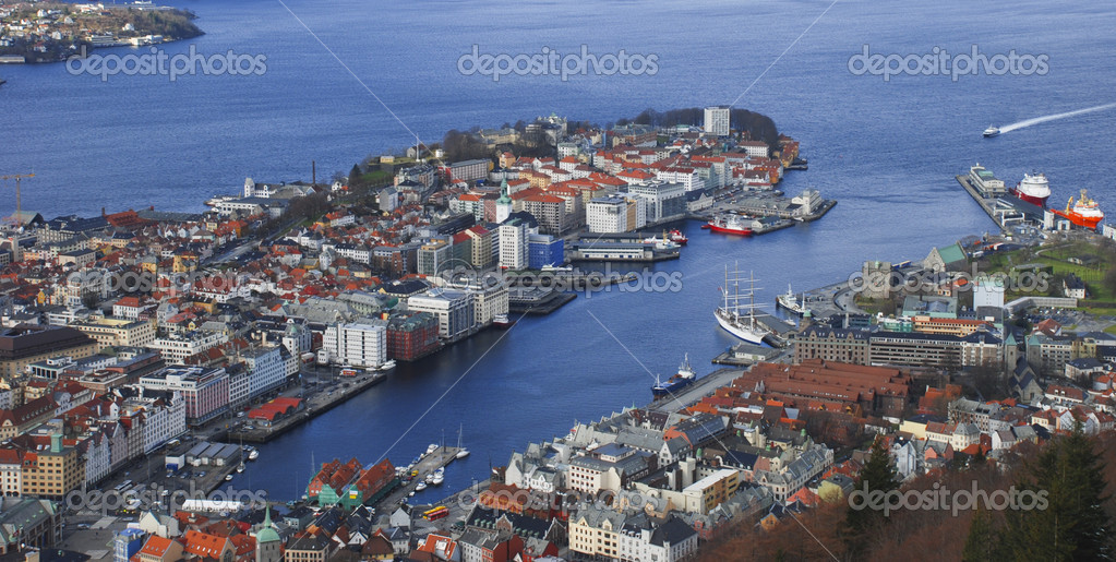 Overview of The Norwegian city Bergen — Stock Photo #1695432