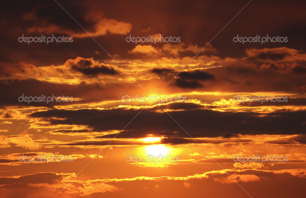 Yellow sunset and clouds — Stock Photo #2051313
