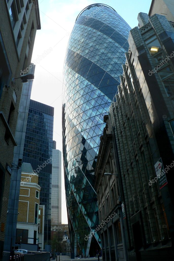 View of Swiss RE Tower building in London — Stock Photo #2297295