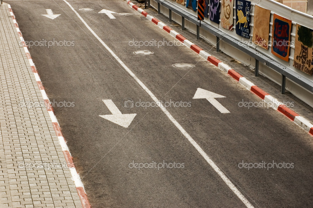 Road with white line and arrows — Stock Photo © liza1979 ...