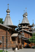 Wooden Russian Orthodox church — Stock Photo