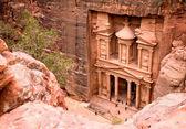 Il ministero del tesoro. antica città di petra — Foto Stock