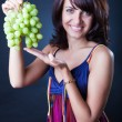 Green grapes — Stock Photo #1683189