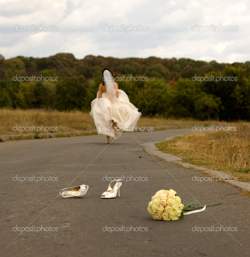 Runaway bride — Stock Photo #1847225