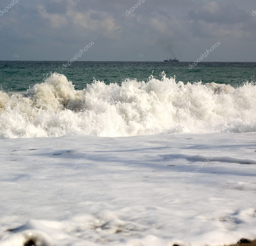 Sea wave with white foam — Stock Photo #1847539