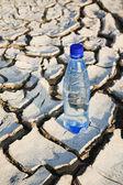 Fles met water, grote — Stockfoto