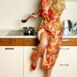 Woman cooking dinner — Stock Photo
