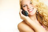 Vrouw praten over de telefoon — Stockfoto