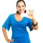 femme montrant une carte de visite — Photo