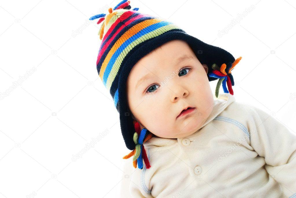 戴着帽子的可爱的小宝贝