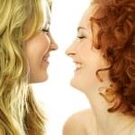 Two girls communicating — Stock Photo
