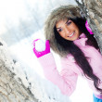 Girl throwing a snowball — Stock Photo #1846704