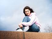 Teenage girl outdoor — Stock Photo