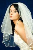 Mooie brunette bruid — Stockfoto