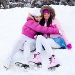 Girls going to ice skate — Stock Photo