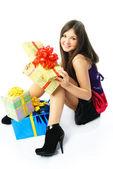 Glückliche mädchen mit geschenken — Stockfoto