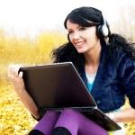 vrouw met een laptop — Stockfoto