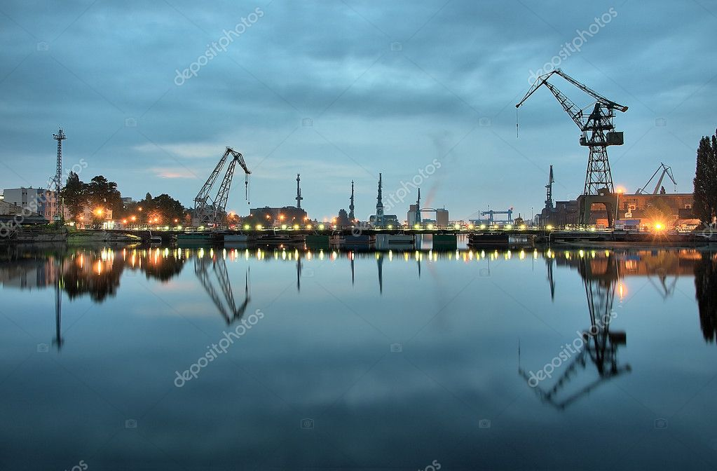 Taken at a Gdansk shipyard at dawn, Poland.  Foto Stock #1946424