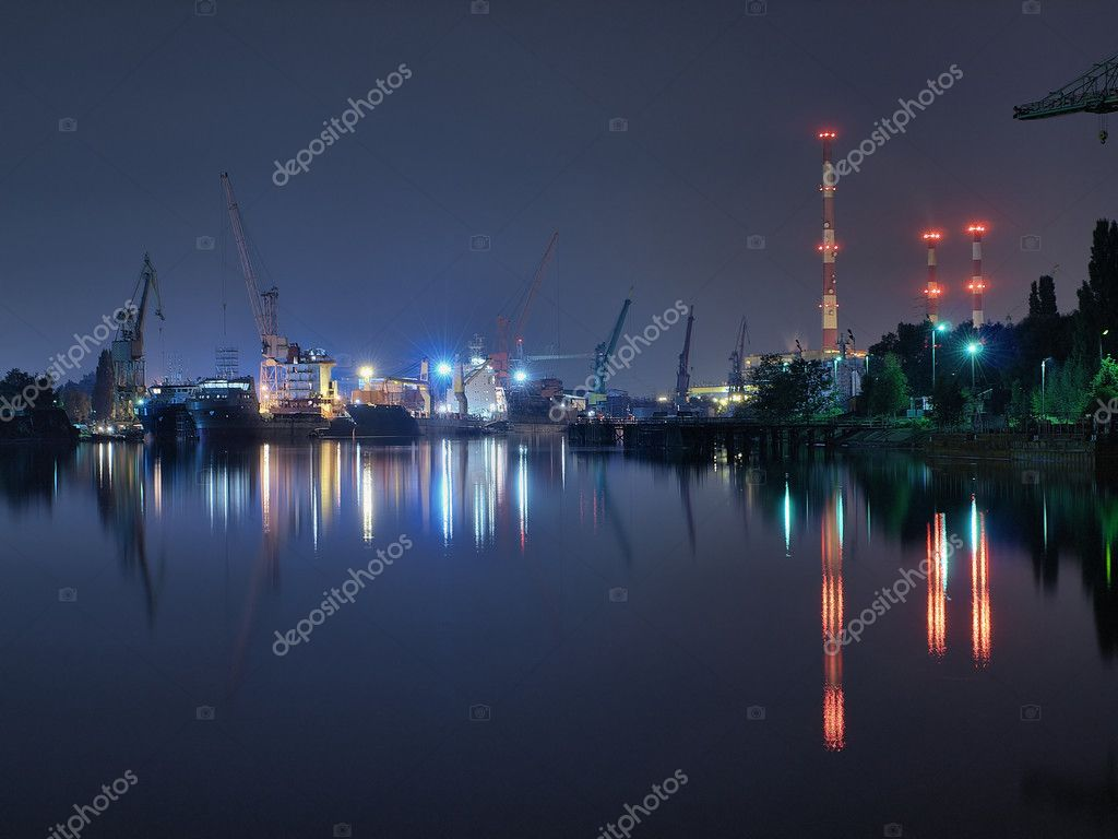 Taken at a Gdansk shipyard at night, Poland. — Stock Photo #1946427
