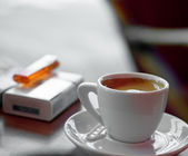 Coffee and cigarettes — 图库照片
