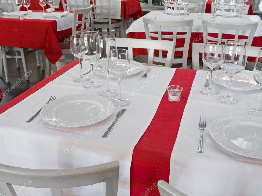 table de restaurant photographie 007filip 1904232. Black Bedroom Furniture Sets. Home Design Ideas