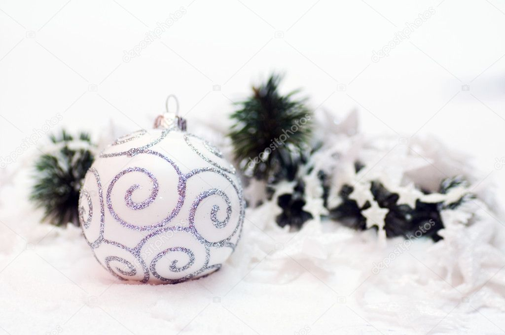 White Christmas ball decoration. Isolated on white — Stock Photo #2031506