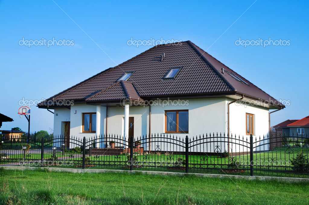 New family house. Ready to move into. — Stock Photo #2044164