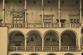 королевский замок вавель в кракове — Стоковое фото