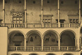 El castillo real de wawel en cracovia — Foto de Stock