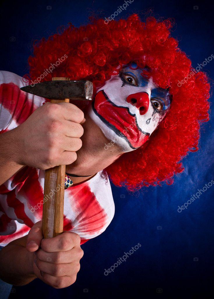 Голый злой клоун