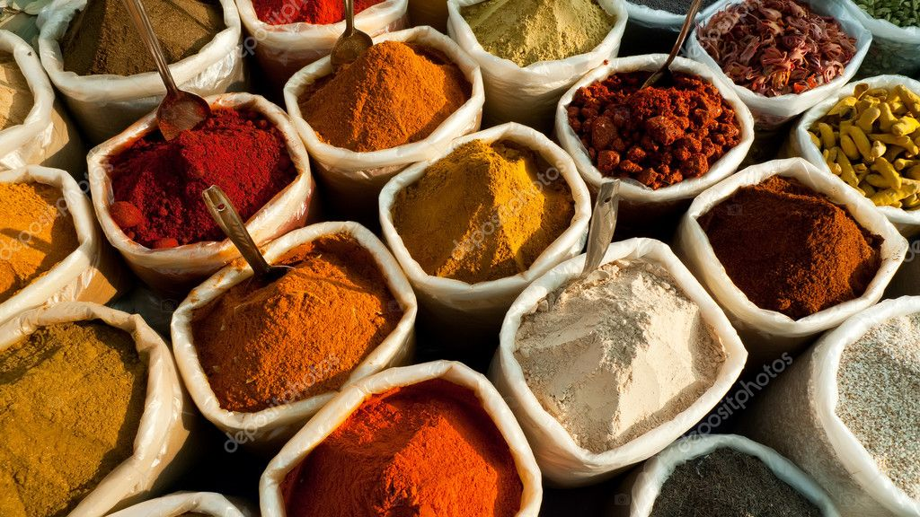 Closeup view of colorful spices at an indian market in Goa — Stock Photo #1700476