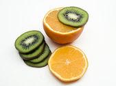 Fresh kiwi and orange isolated — Stock Photo