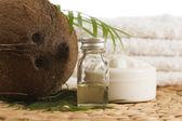 Coconut oil for alternative therapy — Stock Photo