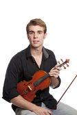Varón joven con violín — Foto de Stock