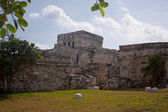 Tulum ruins and white beach in mexico — Stock Photo