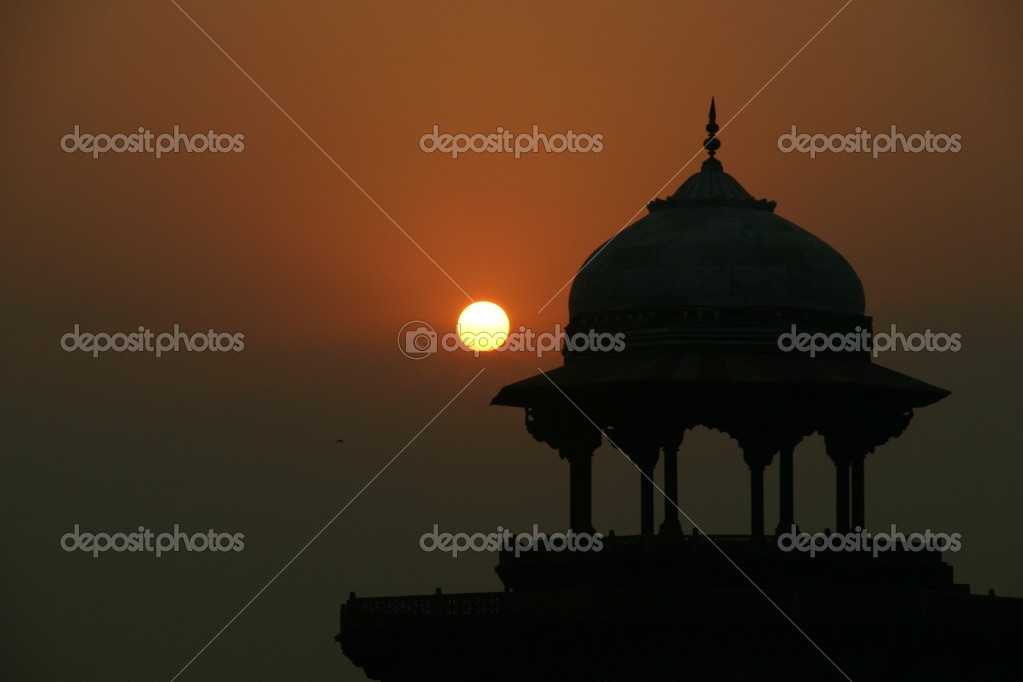 Taj mahal at dusk  — Stock Photo #1910730