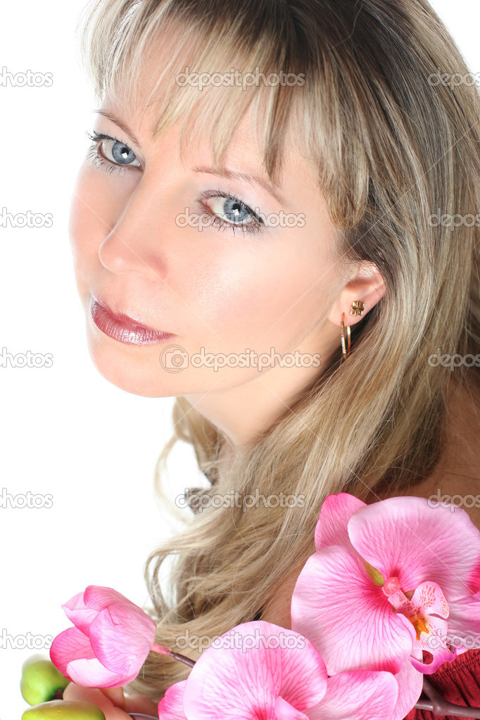 Beautiful woman with yellow roses — Stock Photo #2318645