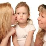 ung mamma med dotter och grandmothter — Stockfoto #2558720