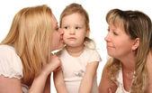 Joven madre con hija y grandmothter — Foto de Stock