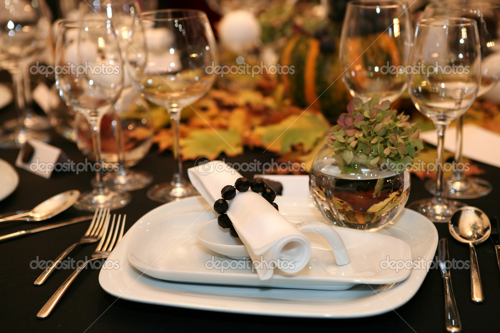 Table setting for thanksgiving dinner — Photo #1784269