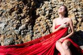 Kobieta w czerwieni — Zdjęcie stockowe