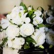 White flowers on piano keys — ストック写真 #1939791
