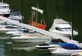 είναι η παλιά του νέου σκάφους στο λιμάνι — 图库照片