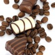 Coffe beans and chocolate candies — Stok fotoğraf