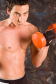 Wet sweaty bodybuilder — Stock Photo