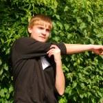 genç adam ısınma yok — Stok fotoğraf