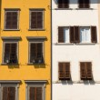 Old windows in Tuscany, Italy — Stock Photo