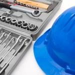 caja de herramienta y casco de seguridad azul — Foto de Stock