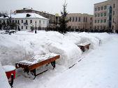 Benches in snowdrifts� — Stock Photo