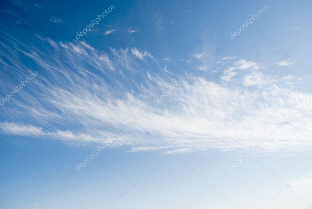 暗蓝色的天空